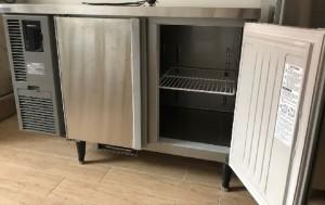2 door undercounter freezer